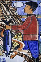 Europe/France/Bretagne/29/Finistère/Douarnenez: Vieux panneau touristique en céramqiue peinte sur le port