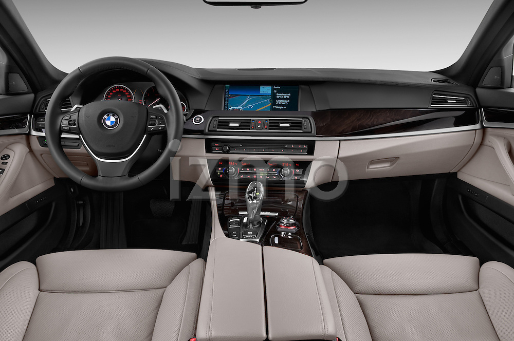 Straight dashboard view of a 2013 Bmw SERIES 5 ActiveHybrid 5 4 Door Sedan 2WD