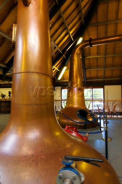 Schottland, Isle of Arran, Lochranza, The Arran Malt Distillery, Whiskybrennerei, Arran Malt, Whisky, Herstellung, Produktion, Whiskyproduktion, Brennerei, Brennblasen, Brennblase, niemand, Europa, Grossbritannien, Unitary Authority North Ayrshire, Firth of Clyde, Kilbrennan-Sund, Irische See, Reise, Travel, 2009<br /> <br /> Engl.: Europe, Great Britain, Scotland, Unitary Authority North Ayrshire, Firth of Clyde, Kilbrennan-Sund, Isle of Arran, Lochranza, The Arran Malt Distillery, Arran Malt Whisky, production, 2009