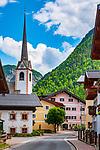 Oesterreich, Salzburger Land, Pinzgau, St. Martin bei Lofer: Ortsmitte mit Pfarrkirche | Austria, Salzburger Land, Pinzgau, St. Martin near Lofer: village centre with parish church