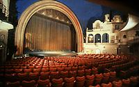 Salle de cinema du Grand Rex sur les grands boulevards a Paris, construite en 1932  --- Grand Rex cinema in Paris, built in 1932