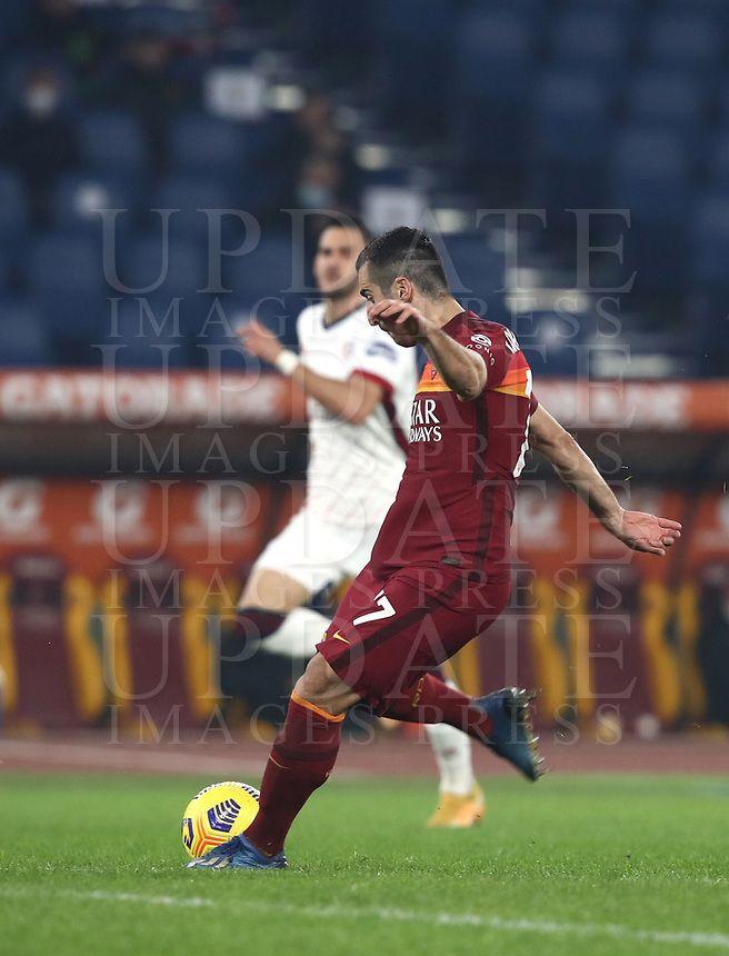 Football, Serie A: AS Roma - Cagliari calcio, Olympic stadium, Rome, December 23, 2020. <br /> Roma's Henrikh Mkhitaryan in action during the Italian Serie A football match between Roma and Cagliari at Rome's Olympic stadium, on December 23, 2020.  <br /> UPDATE IMAGES PRESS/Isabella Bonotto