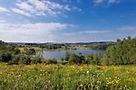 Germany, Upper Bavaria, near Bad Bayersoien: springtime scenery at Soier Lake | Deutschland, Bayern, Oberbayern, Fruehlingslandschaft bei Bad Bayersoien am Soier See