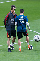 Spain coach Julen Lopetegui talking with Dani Carvajal during training session the day before Spain and Argentina match at Wanda Metropolitano in Madrid , Spain. March 26, 2018. (ALTERPHOTOS/Borja B.Hojas) /NortePhoto NORTEPHOTOMEXICO