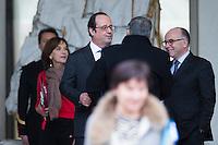 FRANCOIS HOLLANDE AVEC BERNARD CAZENEUVE PREMIER MINISTRE EN DISCUSSION APR»S LE CONSEIL DES MINISTRES DU 11 JANVIER 2017 A PARIS.