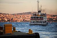 TURKEY Istanbul ferry boat at Bosporus / TUERKEI Istanbul, Faehre am Bosporus
