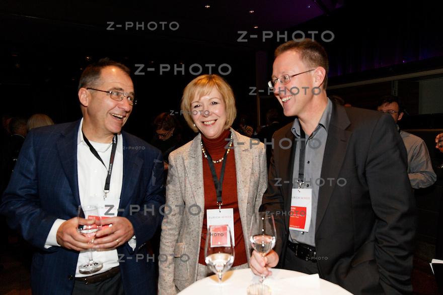 v.l.n.r. Nils Hagander / CEO a-connect, Monika Ribar / CEO Panalpina, Dirk Reich / Kuehne + Nagel am Zurich Minds im Kaufleuten Zuerich am Mittwoch 12. Dezember 2012<br /><br />Copyright © Zvonimir Pisonic