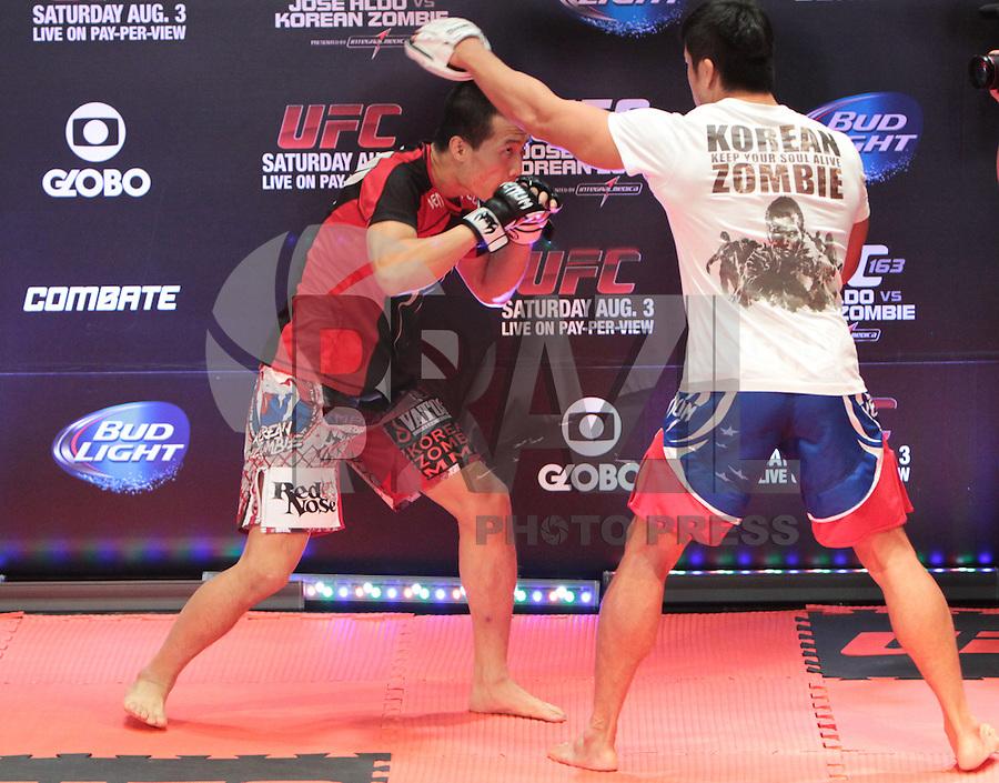 RIO DE JANEIRO, RJ, 01 AGOSTO 2013 - TREINO ABERTO CHAN SUNG JUNG O ZUMBI COREANO UFC 163 RIO - O atleta Chang sung jung o Zumbi coreano realiza o treino aberto do UFC 163 que acontece no Rio De Janeiro na Lapa no Rio de Janeiro nessa quinta 01. (FOTO: LEVY RIBEIRO / BRAZIL PHOTO PRESS)