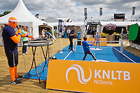 Netherlands, Rosmalen , June 08, 2015, Tennis, Topshelf Open, Autotron, Volley Challenge<br /> Photo: Tennisimages/Henk Koster