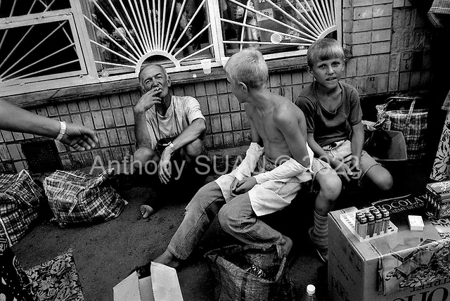 Kiev, Ukraine.August 1998.A kiosk market near the Kiev train station sells mainly foreign products and self-grown food..