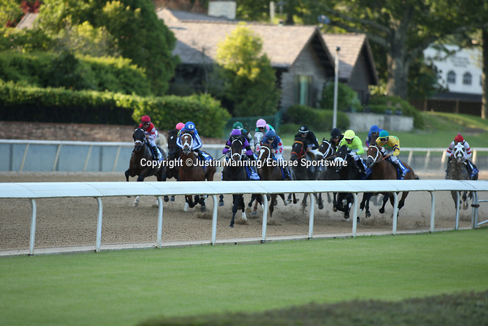 May 2, 2020: The start of the Oaklawn Handicap at Oaklawn Racing Casino Resort in Hot Springs, Arkansas on May 2, 2020. Justin Manning/Eclipse Sportswire/CSM