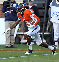 CHARLOTTESVILLE, VA- NOVEMBER 12: Wide receiver Darius Jennings #6 of the Virginia Cavaliers runs with the ball during the game against the Duke Blue Devils on November 12, 2011 at Scott Stadium in Charlottesville, Virginia. Virginia defeated Duke 31-21. (Photo by Andrew Shurtleff/Getty Images) *** Local Caption *** Darius Jennings