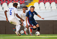 GUADALAJARA, MEXICO - MARCH 28: Sam Vines #13 of the United States turns towards the goal during a game between Honduras and USMNT U-23 at Estadio Jalisco on March 28, 2021 in Guadalajara, Mexico.