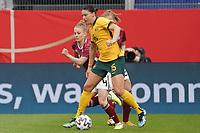 Leonie Maier (Deutschland, Germany) gegen Emily Gielnik (Australien, Australia) - 10.04.2021 Wiesbaden: Deutschland vs. Australien, BRITA Arena, Frauen, Freundschaftsspiel