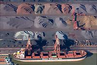 Hansaport im Hafen Hamburg: EUROPA, DEUTSCHLAND, HAMBURG, (EUROPE, GERMANY), 13.10.2018 Erz Verladung  im Hansaport Hamburg