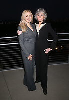 LOS ANGELES, CA - OCTOBER 6: Marlee Matlin, Jane Fonda, at the 2021 WIF Honors Celebrating Trailblazers Of The New Normal at the Academy Museum of Motion Pictures in Los Angeles, California on October 6, 2021. <br /> CAP/MPIFS<br /> ©MPIFS/Capital Pictures