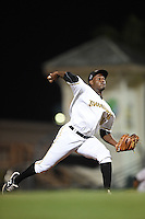 Bradenton Marauders pitcher Clario Perez (30) delivers a pitch during a game against the Jupiter Hammerheads on April 17, 2015 at McKechnie Field in Bradenton, Florida.  Bradenton defeated Jupiter 11-6.  (Mike Janes/Four Seam Images)