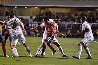 SÃO PAULO, SP, 21 DE AGOSTO DE 2012 - COPA SULAMERICANA - SÃO PAULO x BAHIA: Lulinha (c) durante partida São Paulo x Bahia, válida pela primeira fase da Copa Sulamericana no Estádio do Morumbi. FOTO: LEVI BIANCO - BRAZIL PHOTO PRESS