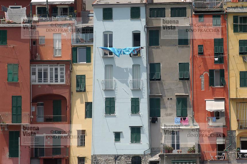 - houses of Portovenere....- case di Portovenere