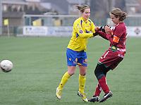 Dames Zulte - Waregem - STVV Sint Truidense VV : Kristien Elsen en Eva Van Daele.foto DIRK VUYLSTEKE / Vrouwenteam.be