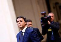 Il Presidente del Consiglio Matteo Renzi attende di accogliere il presidente svizzero a Palazzo Chigi, Roma, 18 maggio 2015.<br /> Italian Premier Matteo Renzi waits to welcome Swiss President at Chigi Palace, Rome, 18 May 2015.<br /> UPDATE IMAGES PRESS/Riccardo De Luca