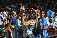RIO DE JANEIRO, RJ, 13.07.2014 - COPA DO MUNDO - ALEMANHA - ARGENTINA - Torcedores momentos antes da partida entre Alemanha e Argentina jogo valido pela final da Copa do Mundo no Estadio do Maracana no Rio de Janeiro neste domingo, 13. (Foto: William Volcov / Brazil Photo Press).
