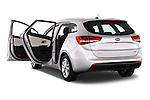 Car images of 2016 KIA Ceed_SW 5 Door Wagon Doors