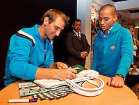 Rotterdam, The Netherlands. 14.02.2014. ABN AMRO World Tennis Tournament Thiemo de Bakker(NED) signing autographs<br /> Photo:Tennisimages/Henk Koster