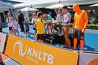 Netherlands, Rosmalen , June 10, 2015, Tennis, Topshelf Open, Autotron, Kidsday,  Indy de Vroome and Lesley Kerkhove (NED), signing aurographs<br /> Photo: Tennisimages/Henk Koster