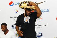 Mexico, DF.- La estrella de la NFL  James Harrison, durante la conferencia de prensa ofrecida por los jugadores de los Acereros de Pittsburgh, donde presentaron el programa de Tv 'Pasión Acerera' y anunciaron que durante su visita a la Ciudad de México ofrecerán clínicas deportivas a niños en el Tec de Monterrey campus Santa Fe..Foto: Carlos Tischler/ zenitimages NORTEPHOTO.COM<br /> **SOLO*VENTA*EN*MEXICO** **CREDITO*OBLIGATORIO** *No*Venta*A*Terceros* *No*Sale*So*third* *** No Se Permite Hacer Archivo** *No*Sale*So*third*©Imagenes con derechos de autor,©todos reservados. El uso de las imagenes está sujeta de pago a nortephoto.com
