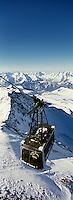 Europe/France/Rhône-Alpes/38/Isère/l'Alpe-d'Huez: télépherique du Pic Blanc a l'arrivée au sommet à 3330m