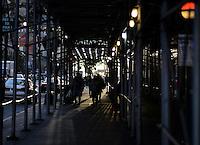 NEW YORK - USA. 11-07-2016: El Manhattanhenge o Solsticio de Manhattan se presenta durante dos días en el año y es la ocasión en donde el atardecer se alinea perfectamente a lo lago de las calles de Manhattan. Esta vista se realizó desde Broadway y 34 street. / Manhattanhenge or Manhattan Solstice occurs twice  days in the year and is the occasion where the sunset is aligned perfectly trought the Manhattan streets. This view was taken from Broadway avenue and 34 street. Photo: VizzorImage/ Gabriel Aponte / Staff