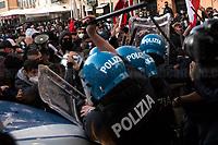 31.10.2020 - No Lockdown - Italian Far-right's Tricolours Masks Demo In Campo De' Fiori