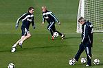 Madrid (02/03/10).-Entrenamiento del Real Madrid..Cristoph Metzelder, Guti y Manuel Pellegrini...© Alex Cid-Fuentes/ ALFAQUI..Madrid (02/03/10).-Training session of Real Madrid c.f..Cristoph Metzelder, Guti y Manuel Pellegrini...© Alex Cid-Fuentes/ ALFAQUI.