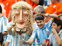 Argentina fans with a mask