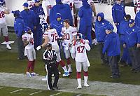 quarterback Eli Manning (10) of the New York Giants steht bereit - 09.12.2019: Philadelphia Eagles vs. New York Giants, Monday Night Football, Lincoln Financial Field