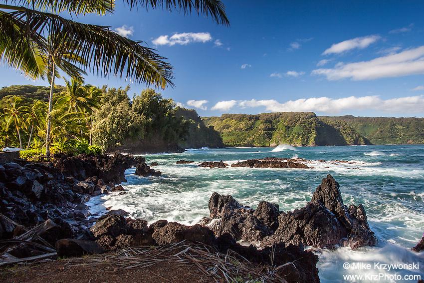 View of Nua'ailua Bay from Keanae Lookout, on the way to Hana, Maui