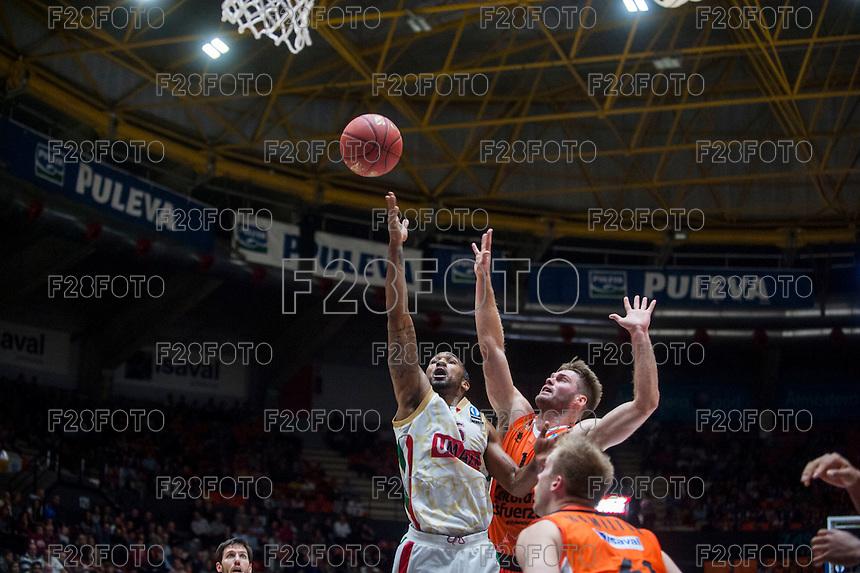 VALENCIA, SPAIN - NOVEMBER 3: Phillip Goss, Jon Stefanson during EUROCUP match between Valencia Basket Club and CAI Zaragozaat Fonteta Stadium on November 3, 2015 in Valencia, Spain