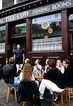 The Cow, Notting Hill, London. A trendy fashionable resturant pub bar locals enjoy a Saturday mid day lunch time drink.  1999, 1999