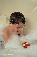 BH22-098x  Bubbles - child in bubble bath