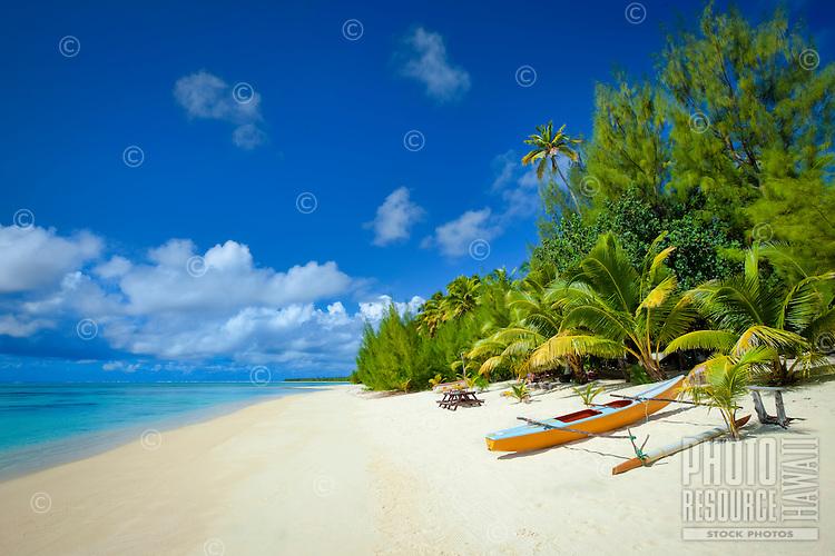 Polynesian canoe on Amuri Beach, Aitutaki Island, Cook Islands.