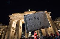 Mehrere hundert Menschen beteiligten sich am Mittwoch den 3. Dezember 2015 in Berlin an einer Anti-Kriegskundgebung anlaesslich der bervorstehenden Bundestagsabstimmung ueber eine Kriegsbeteiligung der Bundesrepublik am Krieg in Syrien. Die Bundesregierung hatte nach den Anschlaegen in Paris innerhalb weniger Tage eine Beteiligung an den Kriegseinsaetzen beschlossen. Diesem Beschluss soll am 4. Dezember das Paralament zustimmen. Zu den Menschen sprach unter anderem Sarah Wagenknecht, Fraktionsvorsitzende der Linkspartei.<br /> 3.12.2015, Berlin<br /> Copyright: Christian-Ditsch.de<br /> [Inhaltsveraendernde Manipulation des Fotos nur nach ausdruecklicher Genehmigung des Fotografen. Vereinbarungen ueber Abtretung von Persoenlichkeitsrechten/Model Release der abgebildeten Person/Personen liegen nicht vor. NO MODEL RELEASE! Nur fuer Redaktionelle Zwecke. Don't publish without copyright Christian-Ditsch.de, Veroeffentlichung nur mit Fotografennennung, sowie gegen Honorar, MwSt. und Beleg. Konto: I N G - D i B a, IBAN DE58500105175400192269, BIC INGDDEFFXXX, Kontakt: post@christian-ditsch.de<br /> Bei der Bearbeitung der Dateiinformationen darf die Urheberkennzeichnung in den EXIF- und  IPTC-Daten nicht entfernt werden, diese sind in digitalen Medien nach §95c UrhG rechtlich geschuetzt. Der Urhebervermerk wird gemaess §13 UrhG verlangt.]