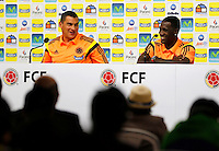 COTIA - BRASIL -21-06-2014. Foto: Daniel Jayo / Archivolatino<br /> Faryd Mondragon y Cristian Zapata jugadores de la selección de fútbol de Colombia en conferencia de prensa antes del entrenamiento, hoy 21 de junio de 2014, en el centro de entrenamiento de Sao Paulo FC en Cotia como parte de la Copa Mundial de la FIFA Brasil 2014./ Faryd Mondragon and Cristian Zapata players of Colombia National Soccer Team during the press conference before of the training, today June 21 2014, at Sao Paulo Fc training center in Cotia as part of the 2014 FIFA World Cup Brazil. Photo: Daniel Jayo / Archivolatino<br /> VizzorImage PROVIDES THE ACCESS TO THIS PHOTOGRAPH ONLY AS A PRESS AND EDITORIAL SERVICE IN COLOMBIA AND NOT IS THE OWNER OF COPYRIGHT; ANOTHER USE IS REPONSABILITY OF THE END USER. NO SALES, NO MERCHANDASING. ALL COPYRIGHT IS ARCHIVOLATINO. Photo: Daniel Jayo / Archivolatino