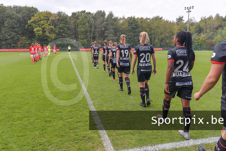 Zulte-Waregem players entering the field pictured during a female soccer game between Standard Femina de Liege and Dames SV Zulte Waregem on the fifth matchday of the 2020 - 2021 season of Belgian Scooore Womens Super League , saturday 17 th of October 2020  in Angleur , Belgium . PHOTO SPORTPIX.BE   SPP   STIJN AUDOOREN