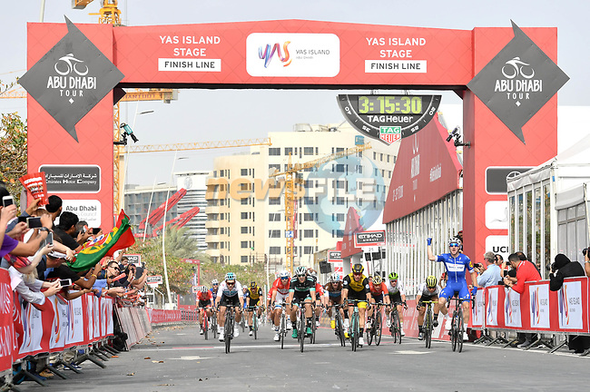 Elia Viviani (ITA) Quick-Step Floors wins Stage 2 of the 2018 Abu Dhabi Tour, Yas Island Stage running 154km from Yas Mall to Yas Beach, Abu Dhabi, United Arab Emirates. 22nd February 2018.<br /> Picture: LaPresse/Massimo Paolone   Cyclefile<br /> <br /> <br /> All photos usage must carry mandatory copyright credit (© Cyclefile   LaPresse/Massimo Paolone)
