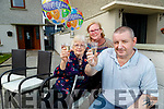 Martin O'Shea who returned home to Saint Josephs Estate, Tralee on Friday after recovering from Covid-19 pictured with his mother Pauline and his wife Pauline.