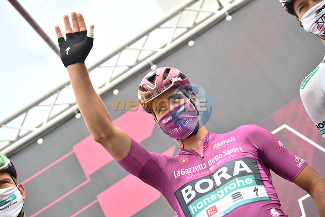 Maglia Ciclamino Peter Sagan (SVK) Bora-Hansgrohe at sign on before the start of Stage 14 of the 2021 Giro d'Italia, running 205km from Cittadella to Monte Zoncolan, Italy. 22nd May 2021.  <br /> Picture: LaPresse/Gian Mattia D'Alberto | Cyclefile<br /> <br /> All photos usage must carry mandatory copyright credit (© Cyclefile | LaPresse/Gian Mattia D'Alberto)