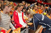 April 18, 2015, Netherlands, Den Bosch, Maaspoort, Fedcup Netherlands-Australia, Kids pressconference, Richel Hogenkamp signing autographs <br /> Photo: Tennisimages/Henk Koster