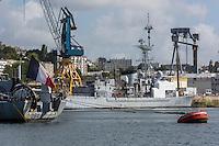 France, Bretagne, (29), Finistère, Brest:   Base Navale et Arsenal de Brest,  frégate de lutte anti-sous-marine