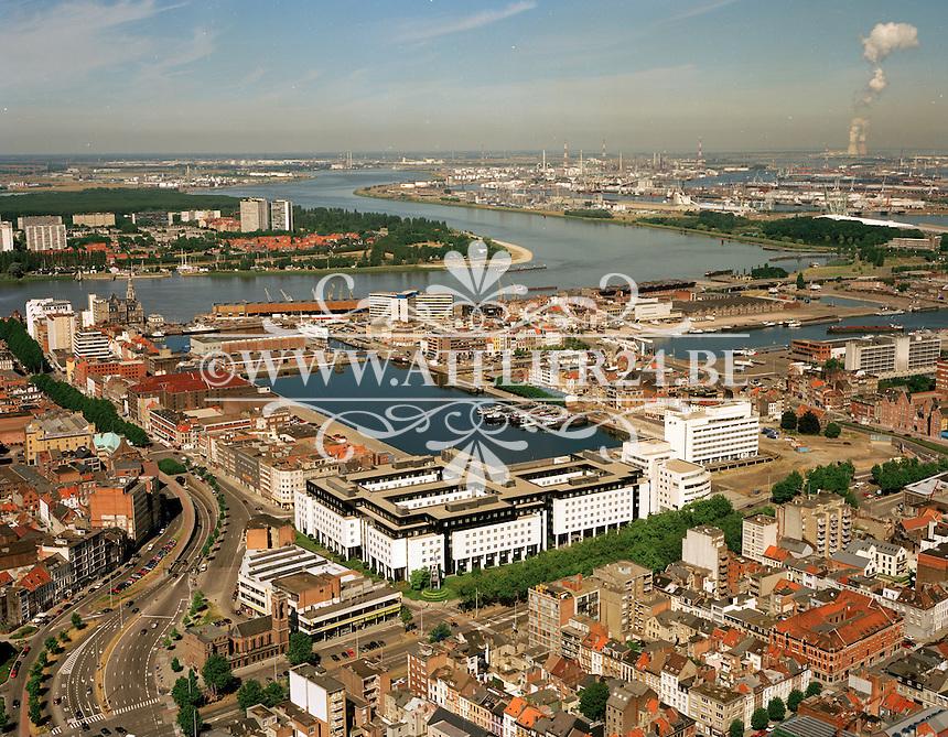 Augustus 1999. Eilandje in Antwerpen.